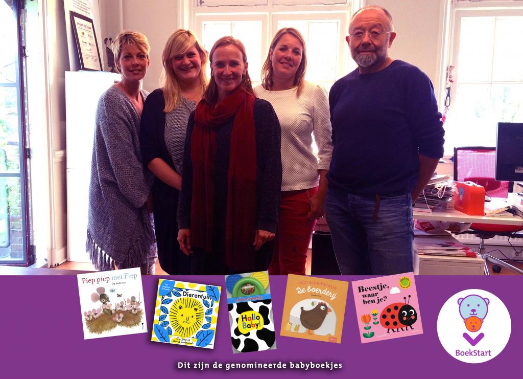 De jury van www.babyboekjevanhetjaar.nl en de genomineerde boekjes van 2018